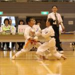 小学生1・2年個人組手優勝 笹川朱莉選手(右)