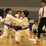 小学生3・4年男子個人組手優勝 大熊陸大朗選手(右)